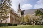 Abbaye-Saint-Martin-de-Liguge.jpg